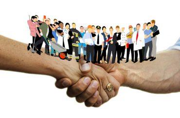 81427747-handshake-3378251_1280.jpg