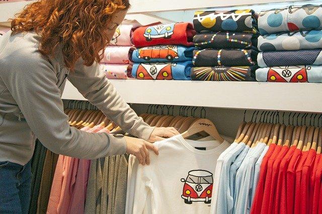 t-shirt-2351761_640